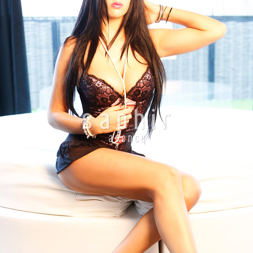 Melissa Perfect sizes, long golden hair and a smile to die for. Escort girl Melissa will make your night one to remember forever. Available for long and short bookings in Belgium and abroad